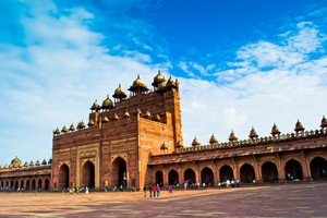 5-days-golden-triangle-tour-by-train
